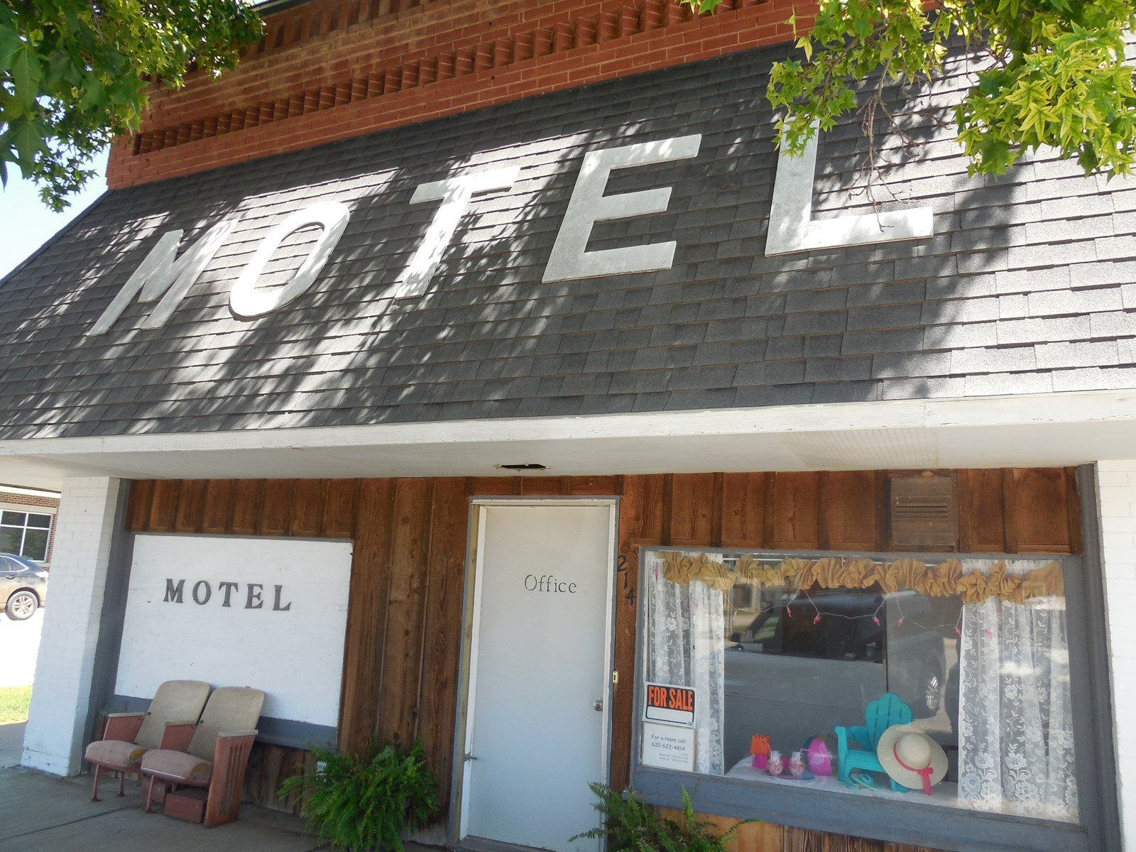 Motel – Lodge For Sale in Protection, Kansas