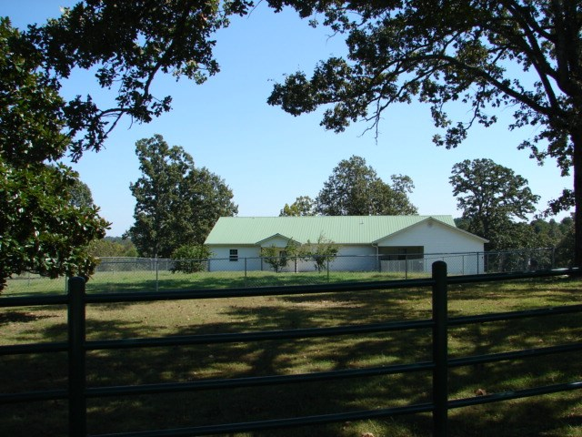 Arkansas Ozarks Country Home just out of Salem for sale