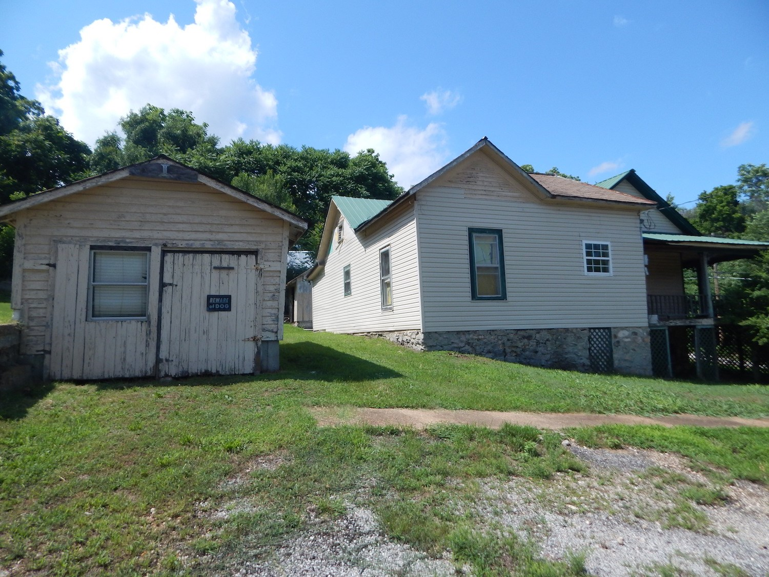 Investment Property Opportunity in Thayer