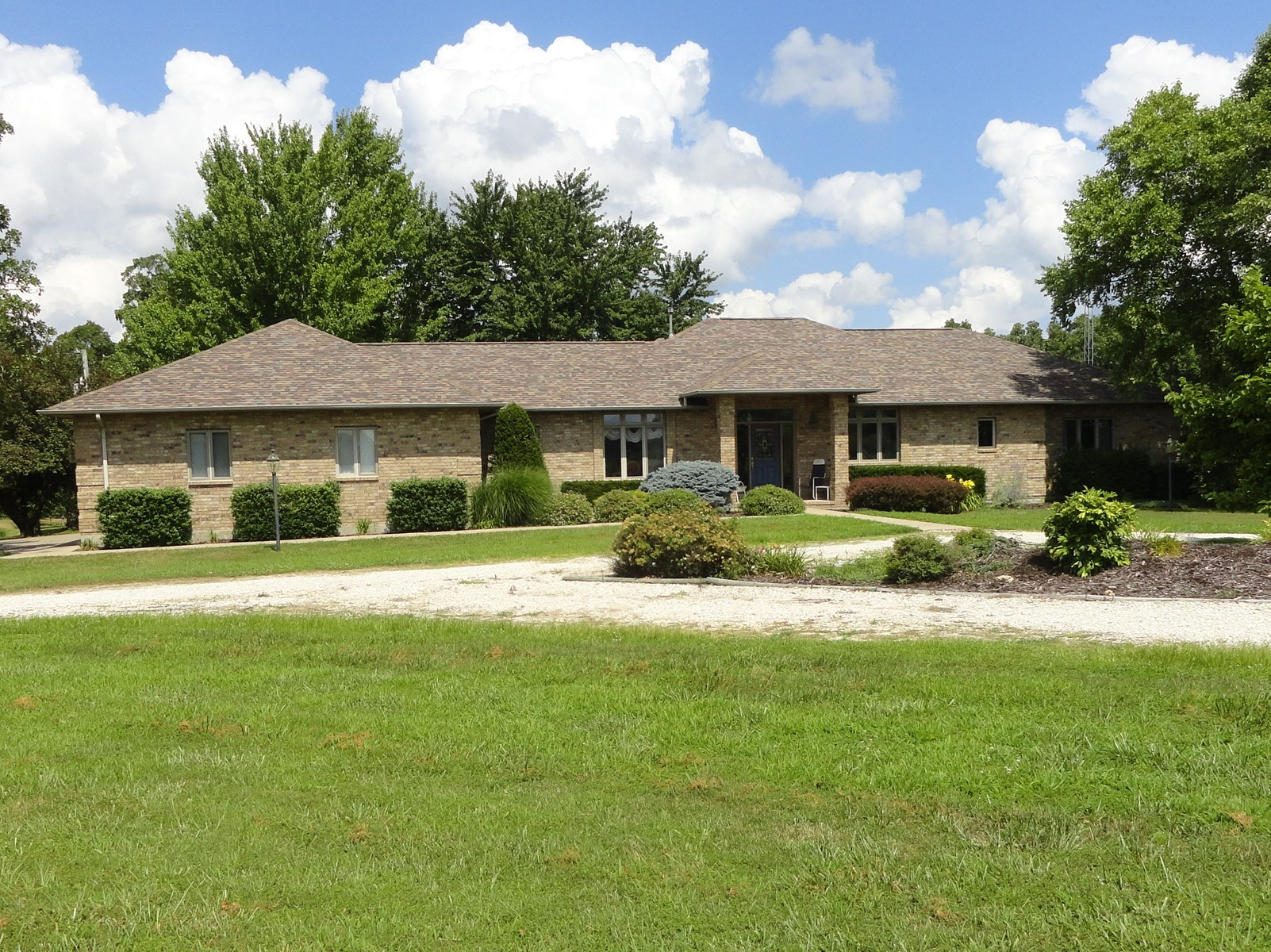 120-Acre Country Home with Acreage For Sale in Richland, MO