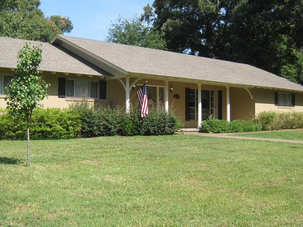 COUNTRY HOME IN A SMALL TOWN FRANKSTON TX REAL ESTATE