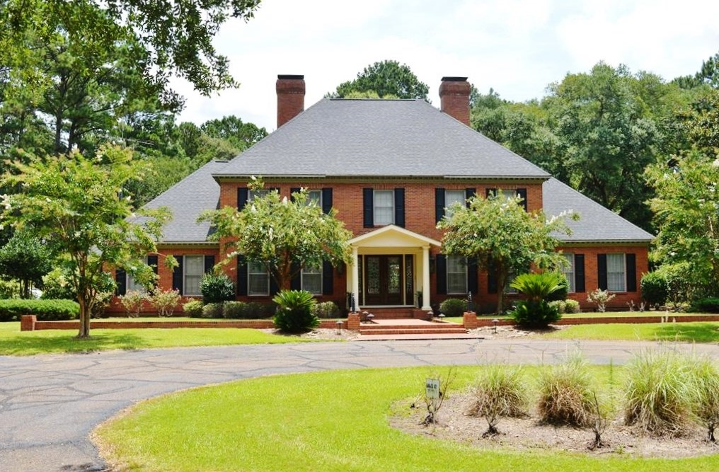 Executive 5 Bed, 4.5 Bath Home for Sale Pool Shop SW MS