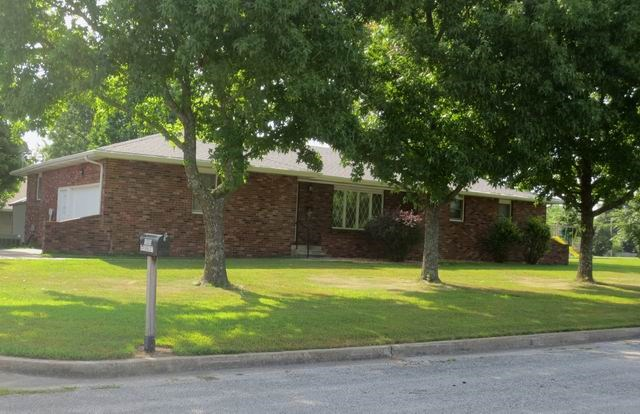 Move Right In... 2 Bedroom Home in El Dorado Springs, Mo.
