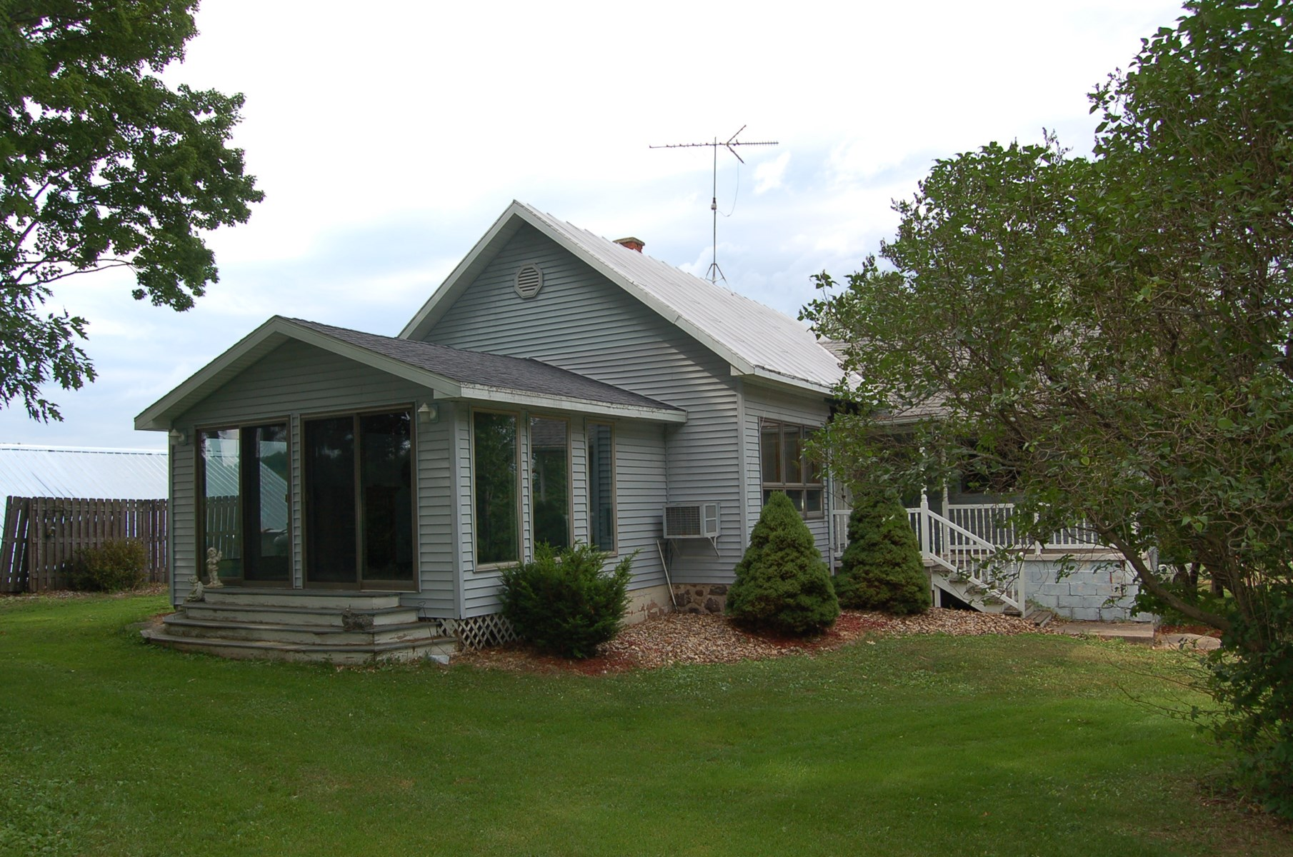 Home for Sale in New London, Waupaca County, WI