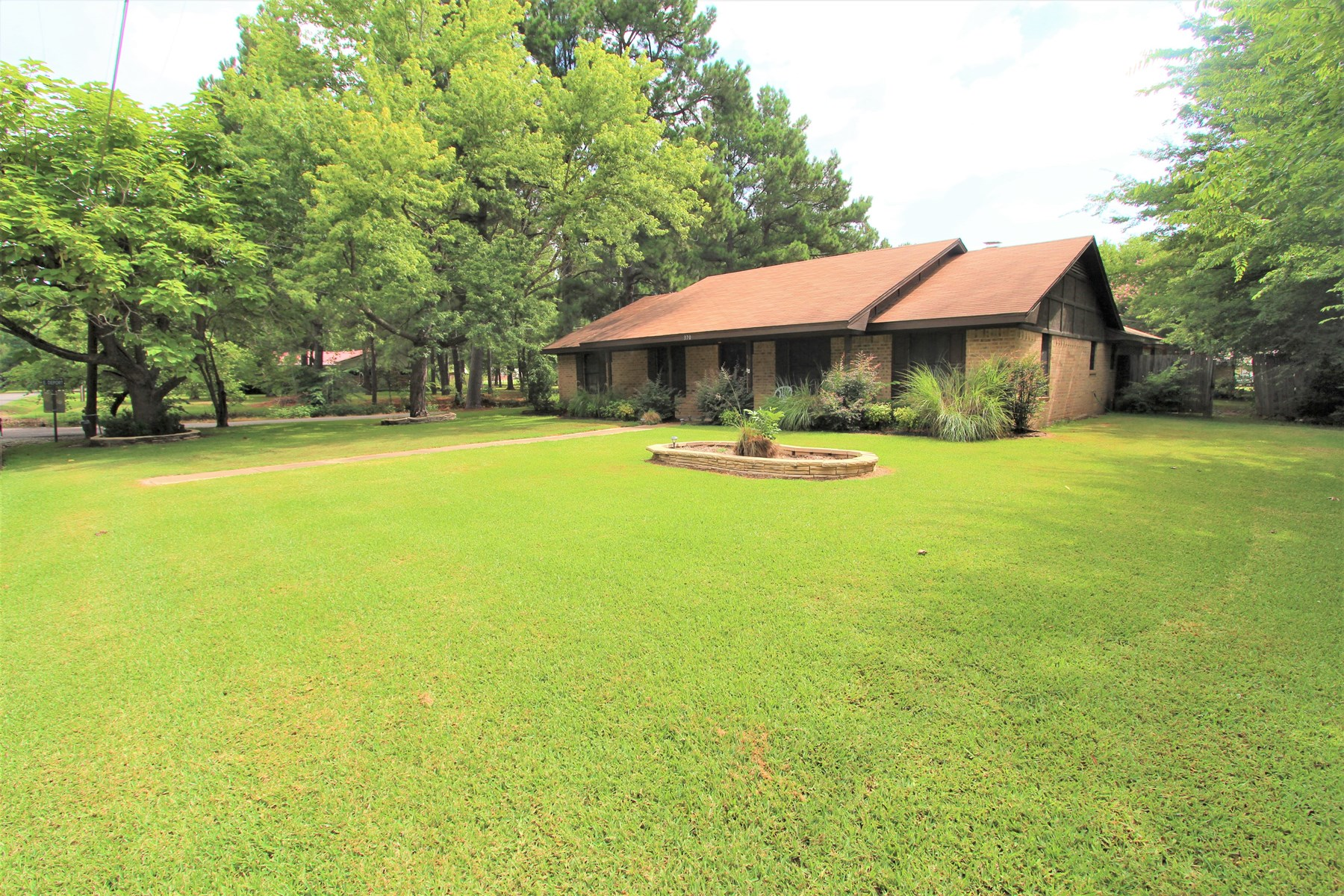 Country Home In Town Property For Sale Detroit Texas