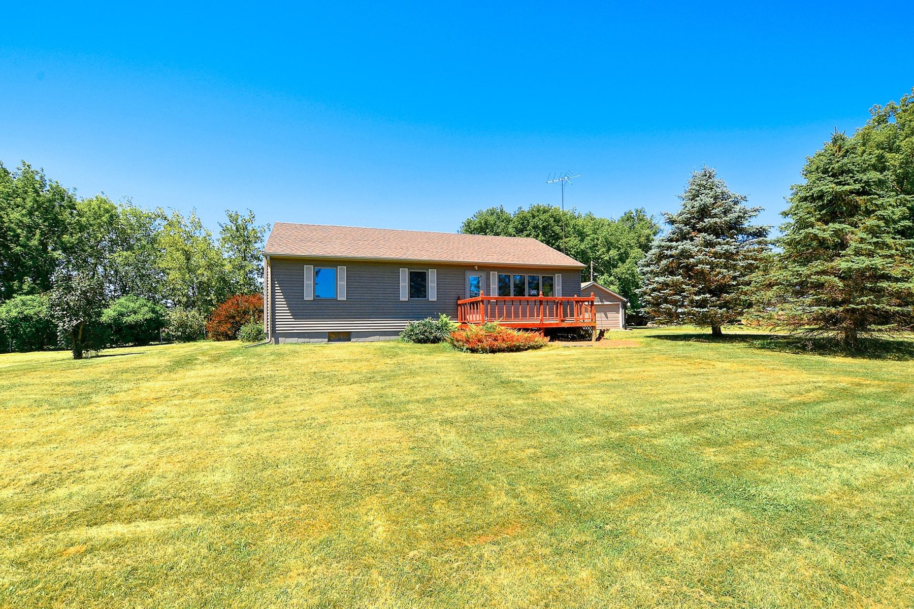 Country Home Located on 80 Acres in Kanabec County For Sale