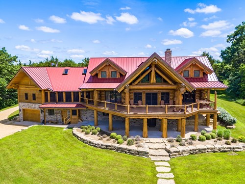 LUXURIOUS PIONEER LOG HOME FOR SALE IN GALENA, IL