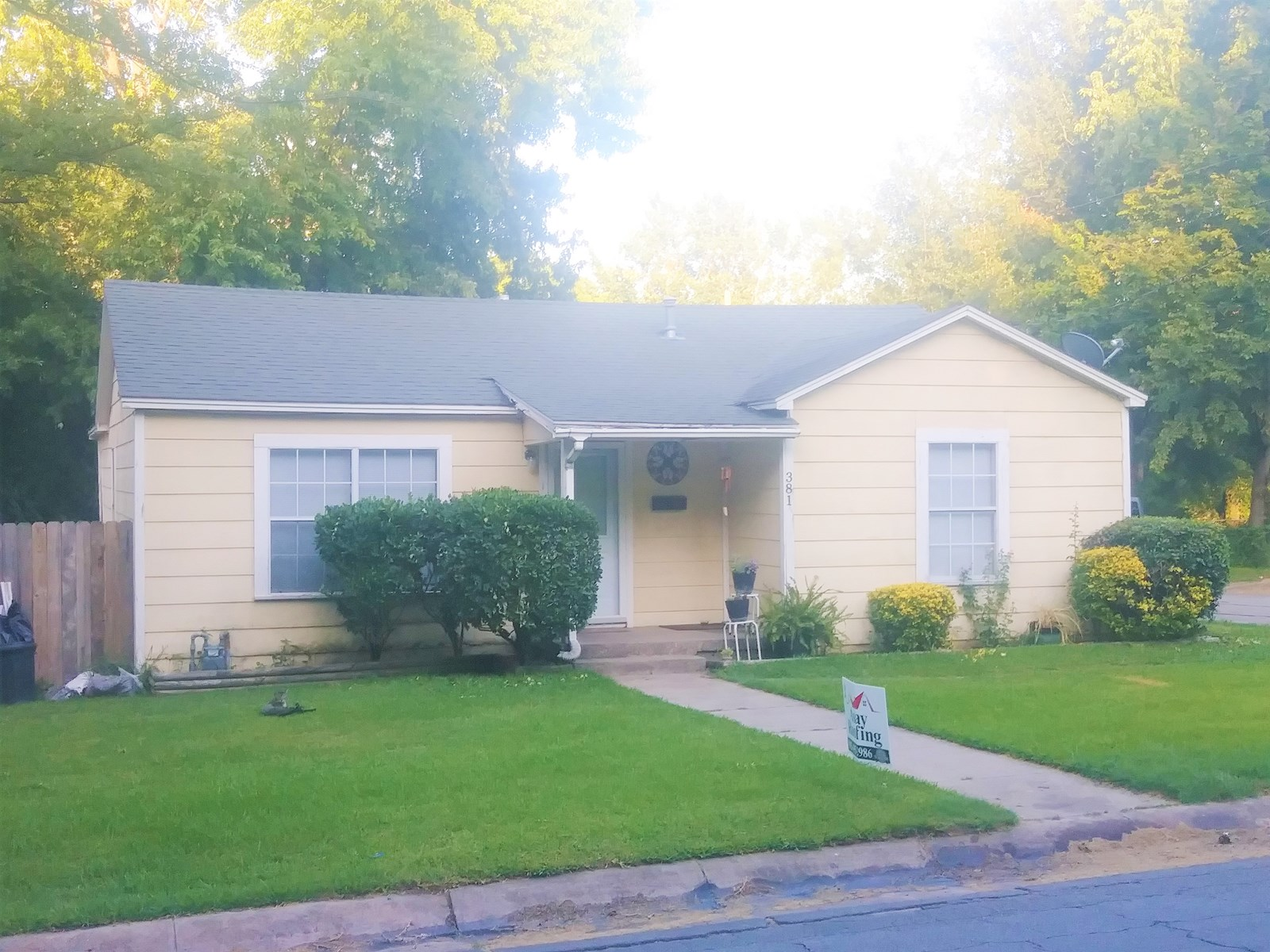 Updated Starter Home in Town for Sale in Paris, TX