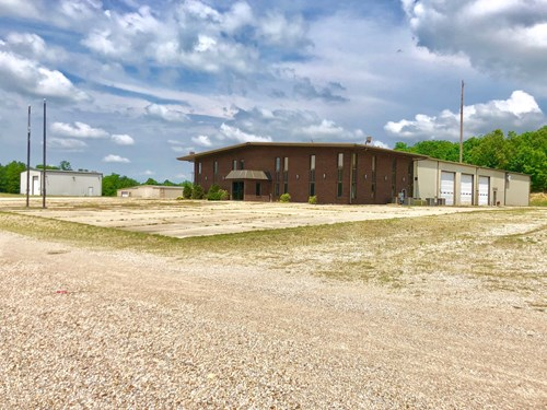 Commercial Building For Sale? Poplar Bluff  MO HWY Frontage
