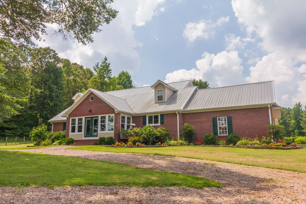 Country Home & Peach, Apple Orchard for Sale in West TN