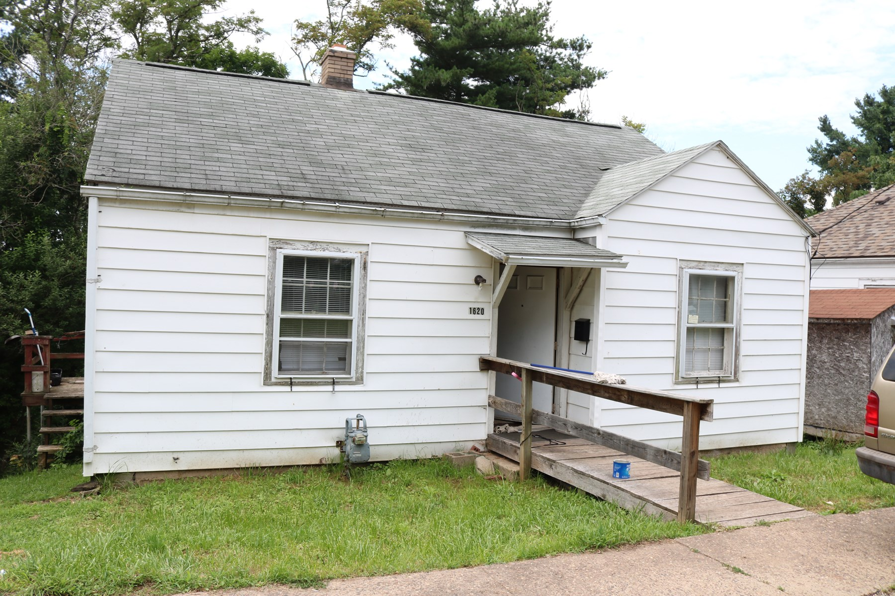 Real Estate Auction - Homeowners/Investors Min Bid $10,000