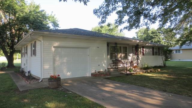 Super Clean 3 Bedroom Home In El Dorado Springs, Mo.