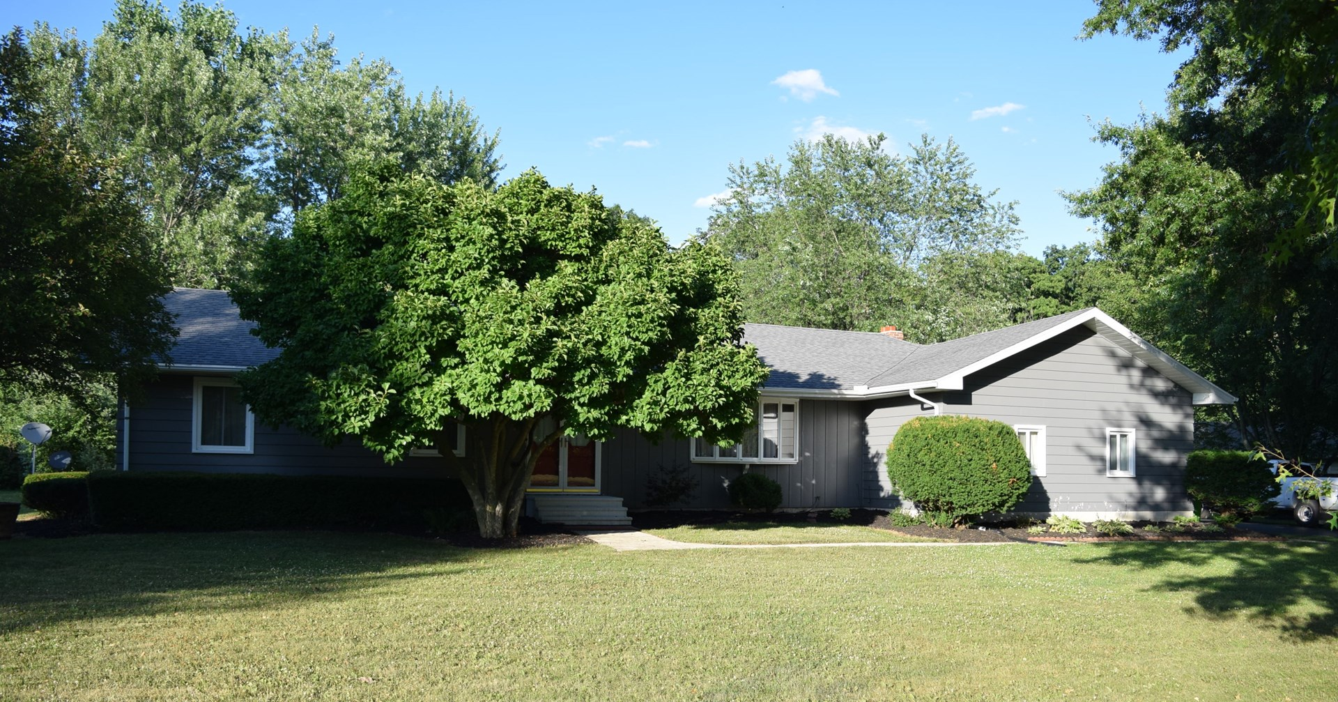 DaPore  Auction - Real Estate & Chattels - Aug. 27 @ Noon