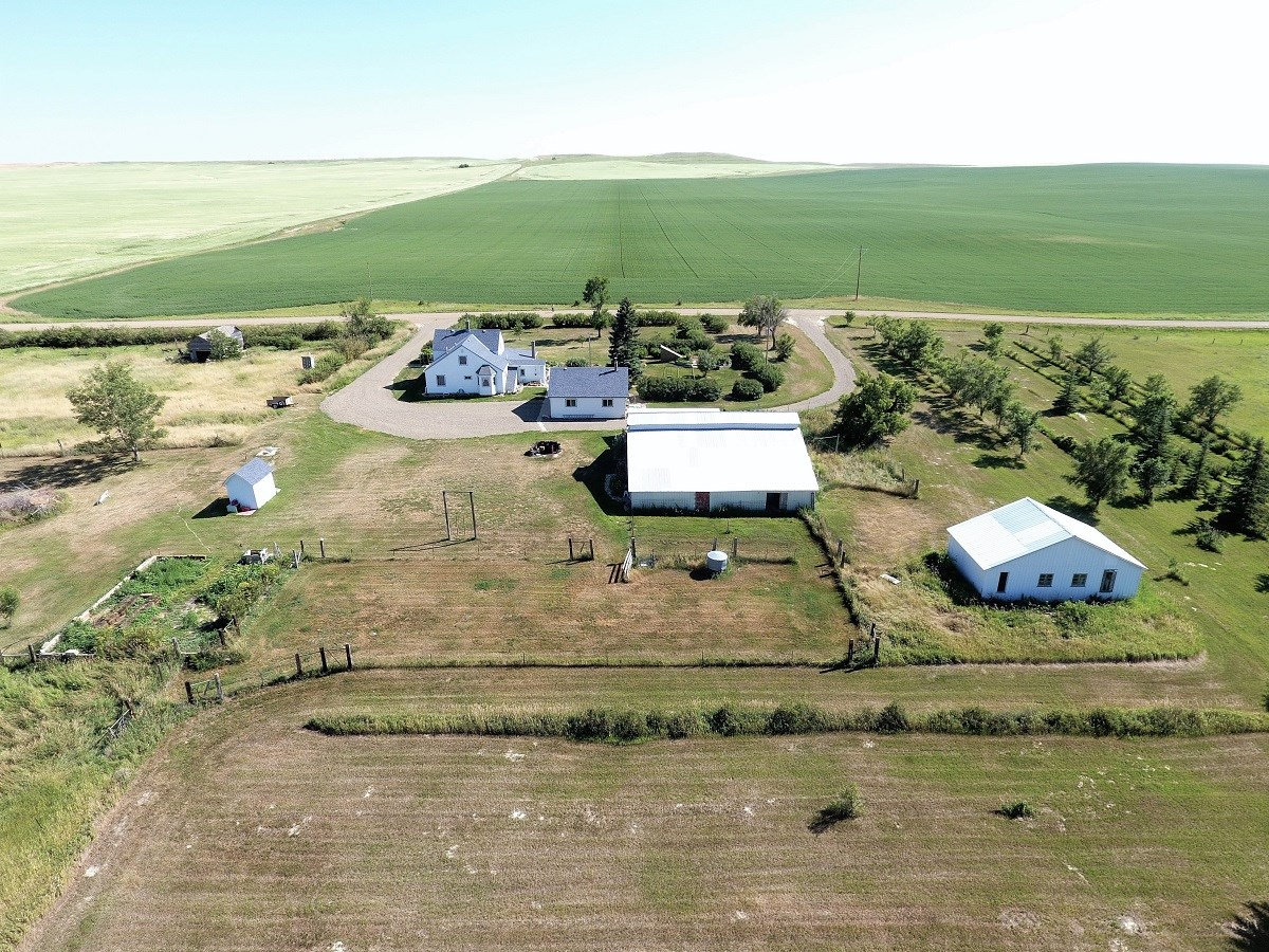 Montana Hobby Farm - Home, Barn, Outbuildings and Pastures