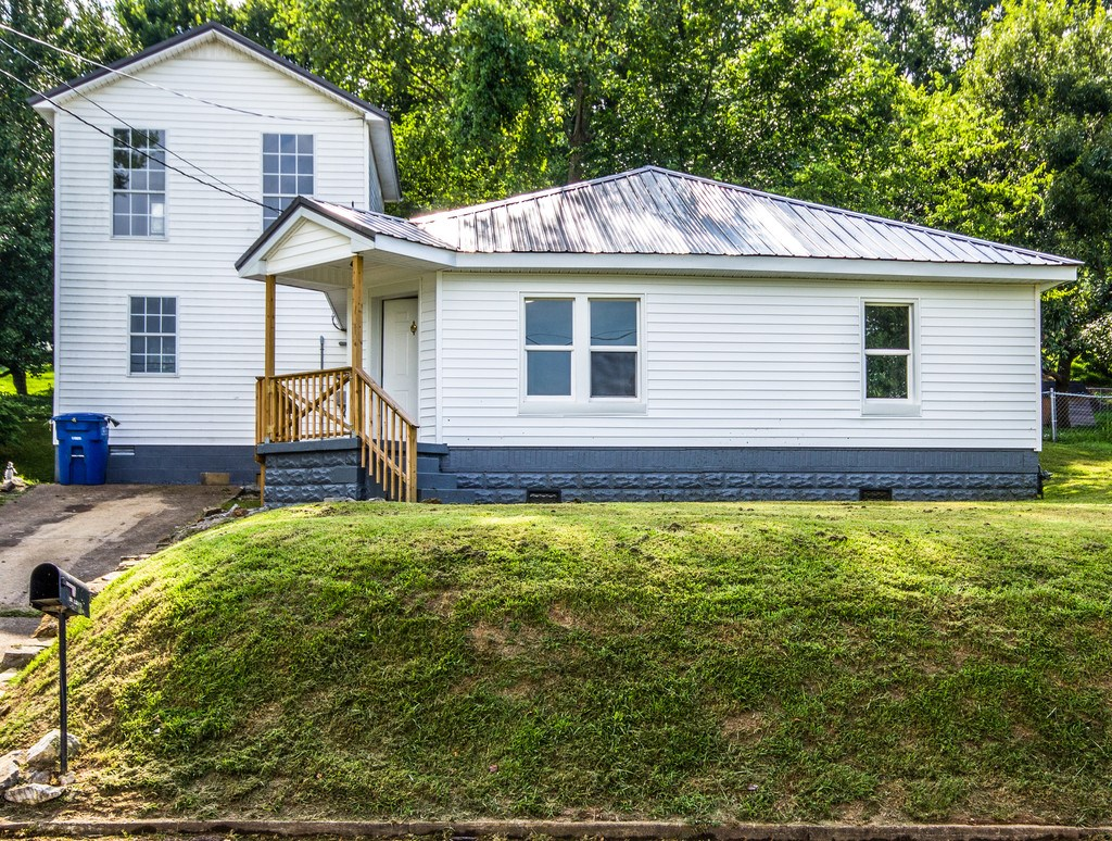 Mount Pleasant, Maury County Home in Town for Sale