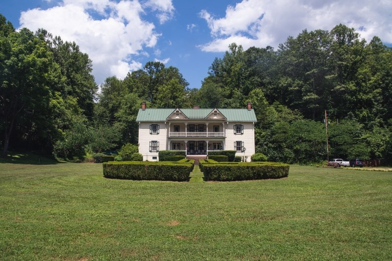 Woolwine VA B&B or Family Retreat for Sale