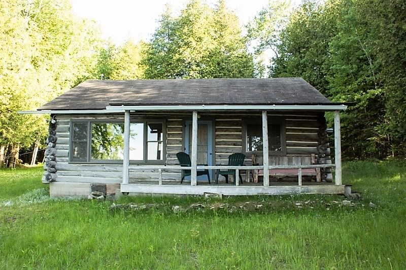 Waterfront Log Cabin/Cottage Drummnd Island for sale 3 lots
