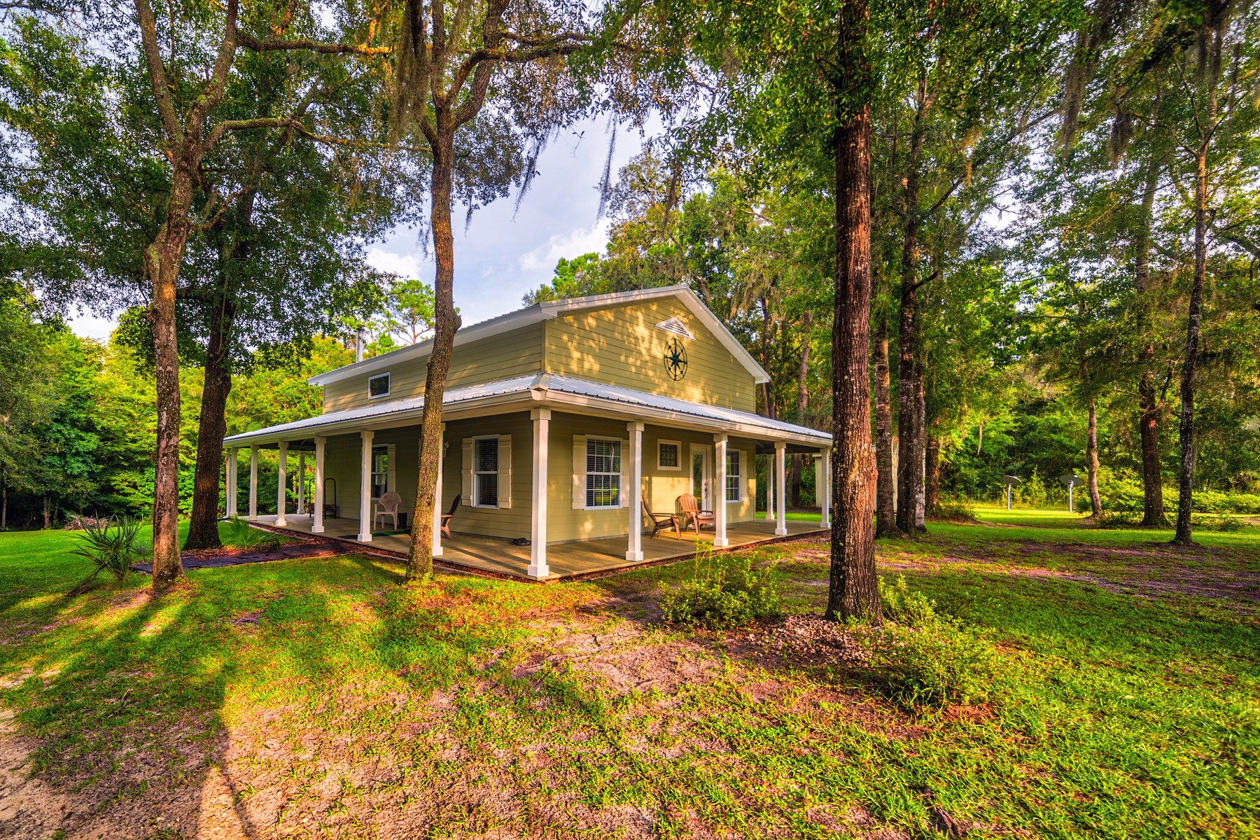 RIVERFRONT HOME ON SUWANNEE RIVER - Dixie County, FL