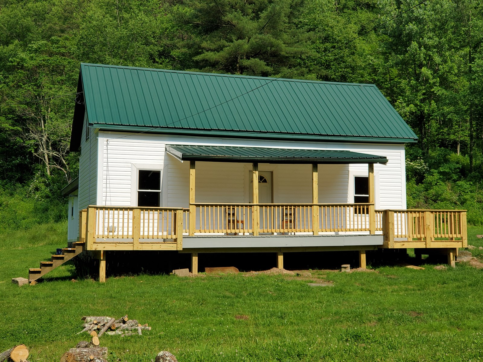 Super nice Hunting Cabin and 215.42 Acres in Tyler County WV