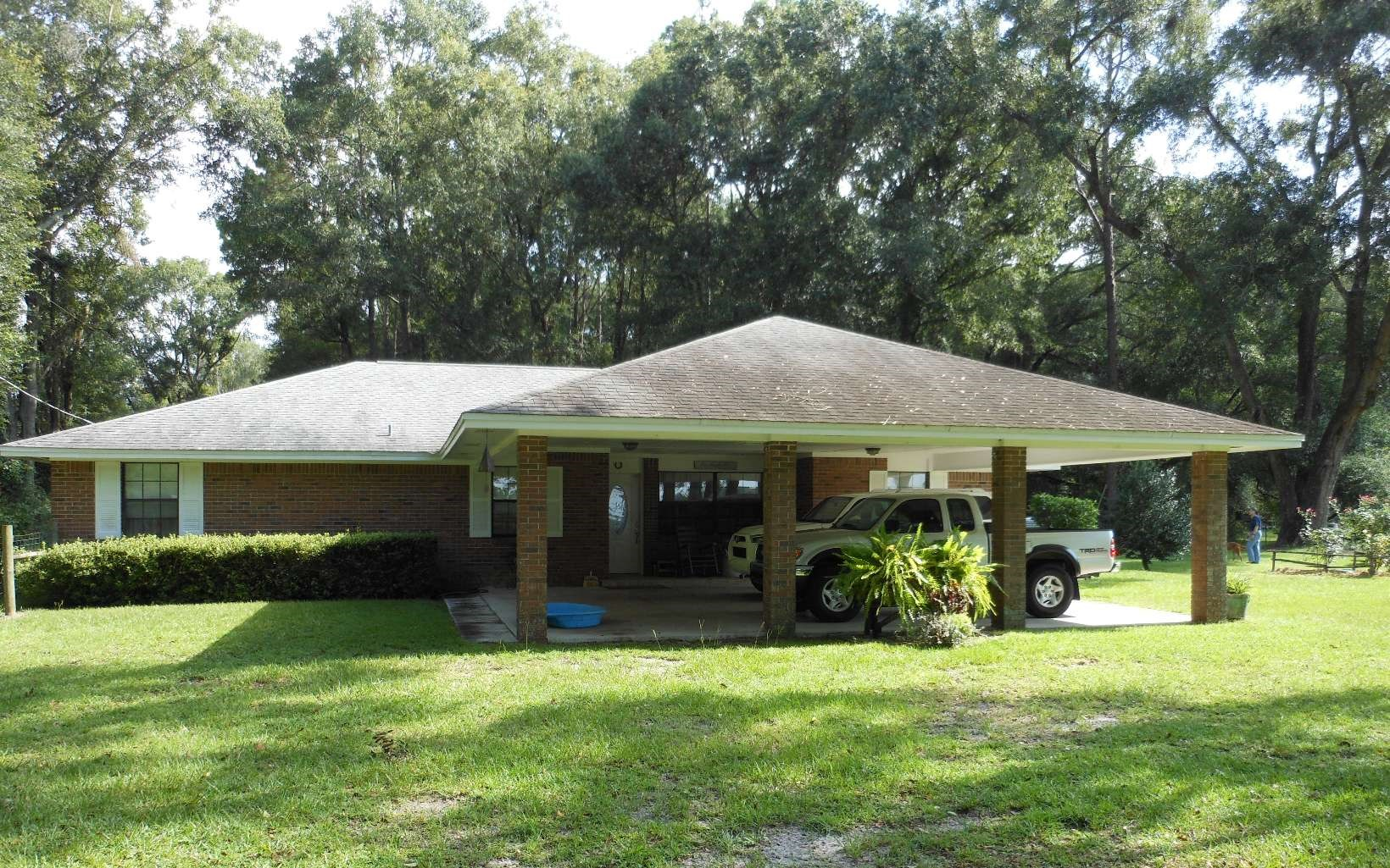 Upgraded Brick Home on 10 Acres For Sale in North Fl