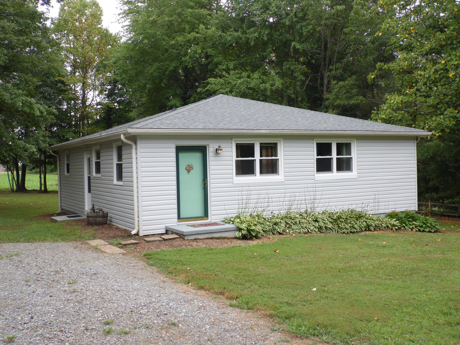 Adorable Home in Hamptonville, NC Close to I-77 and US 421