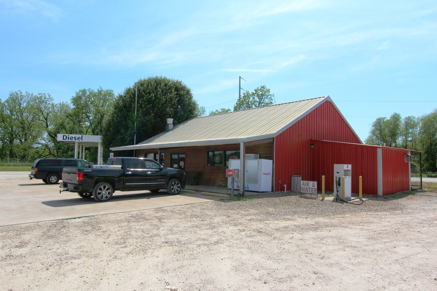 Turn Key Convenience Store and Land Auction Oklahoma