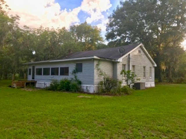 COUNTRY HOME ON 5+ ACRES- ALACHUA, FLORIDA