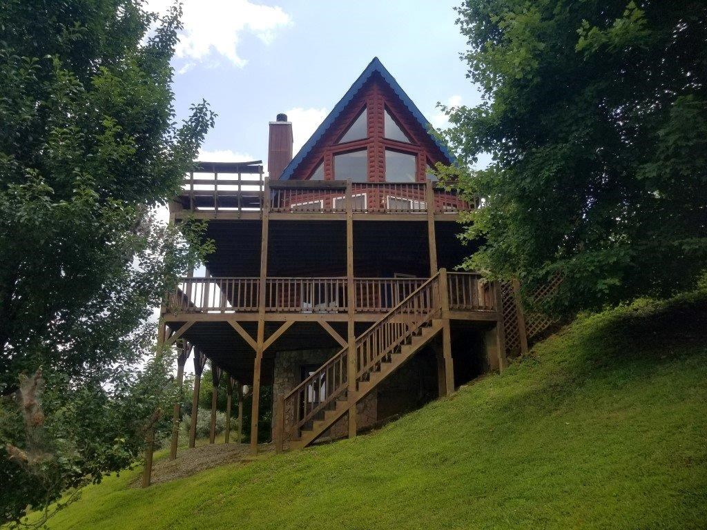 Log Home in Piney Creek NC Access to New River!