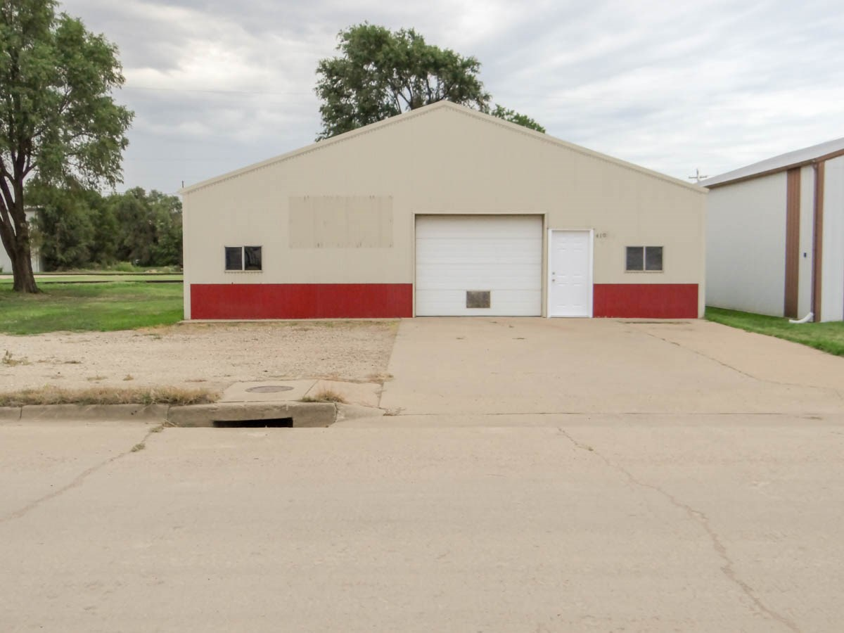 Commercial Automotive Shop Building For Sale via Auction