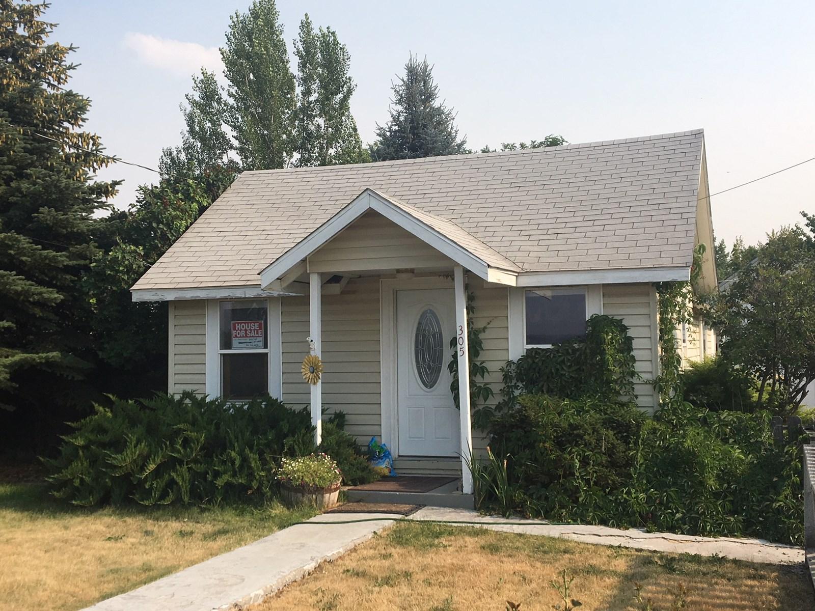 Home for Sale in Modoc County, Alturas, CA.