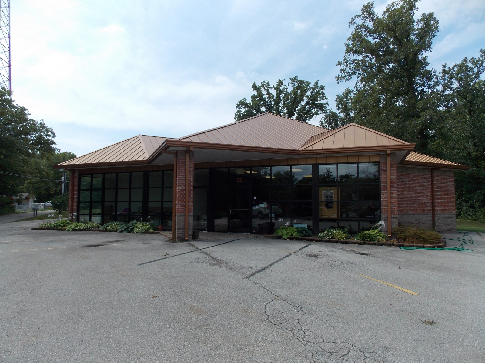 Extravagant Commercial Building for Sale in Ozarks