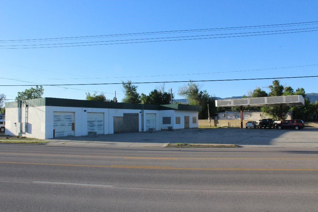 Former Car Wash with Excellent Location Covered Parking