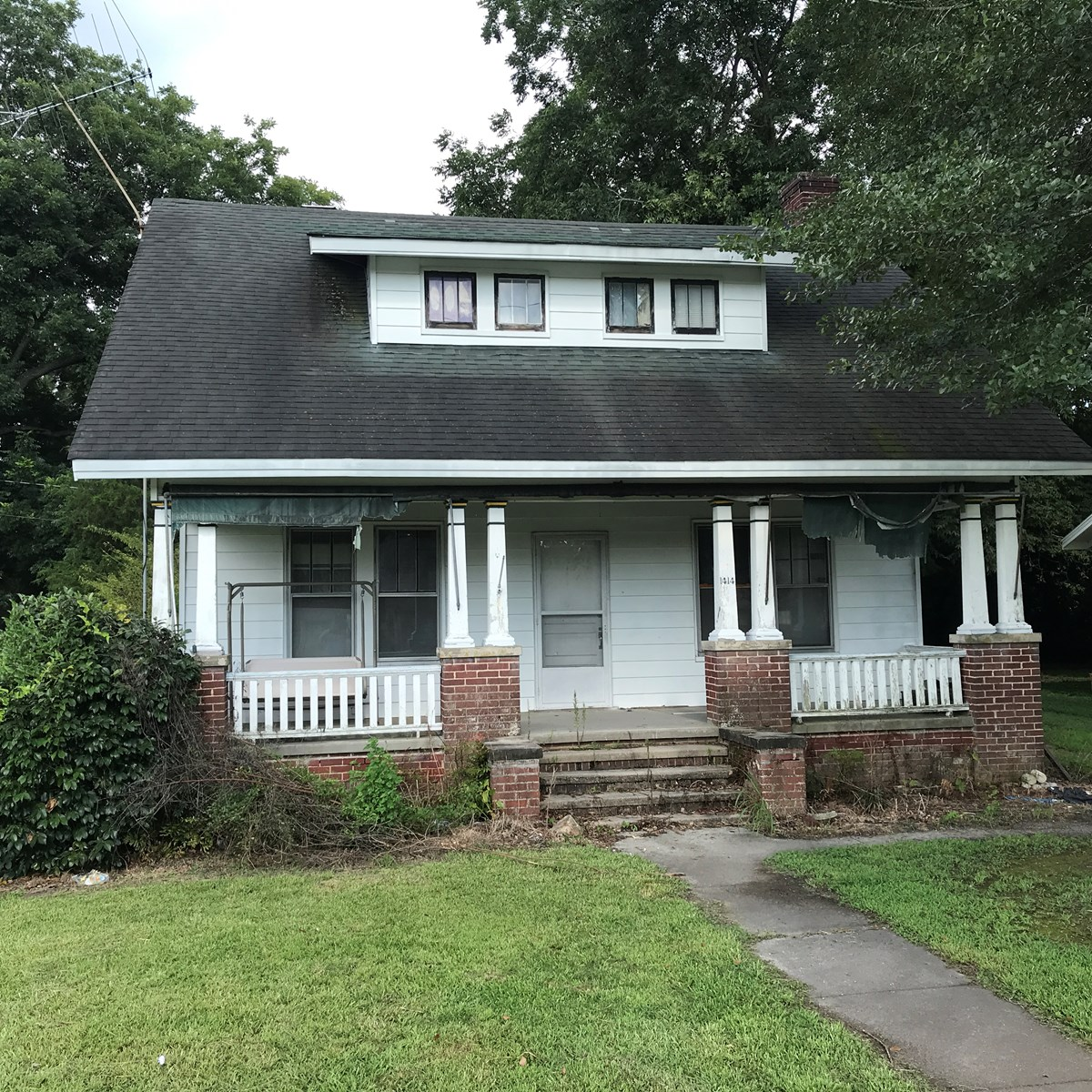 ELIZABETH CITY FIXER UPPER HOME AUCTION ON 9/22/18 AT NOON