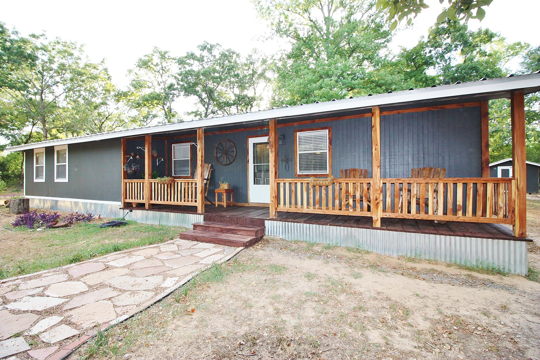 Home For Sale with Acreage in Centerville, Leon County, TX