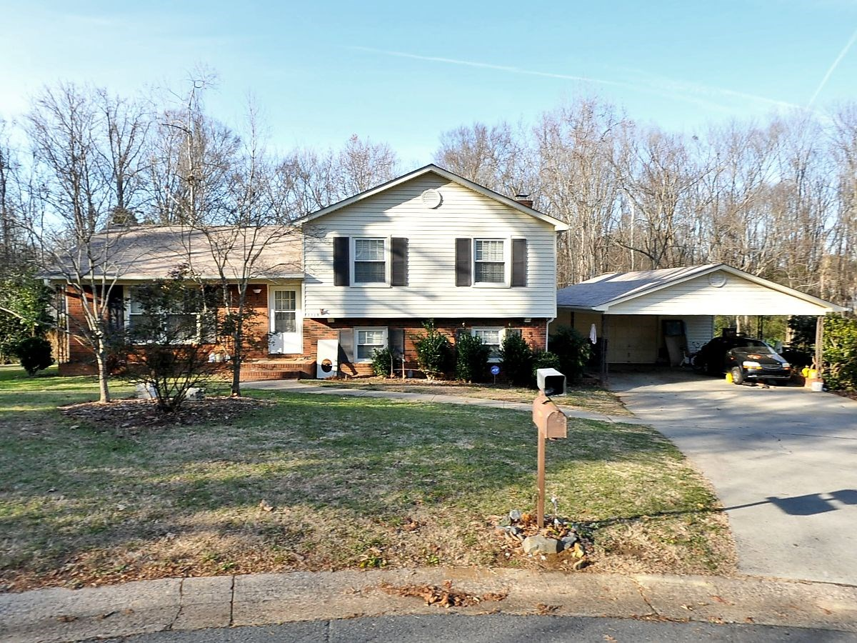 Classic Tri-Level Home For Sale in Charlotte NC