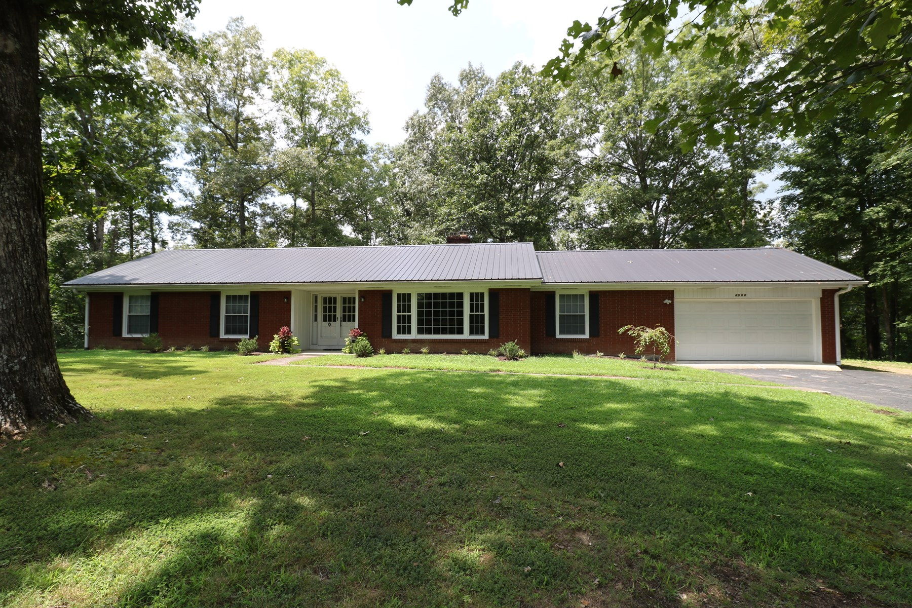 Country home, completely renovated located in Liberty KY