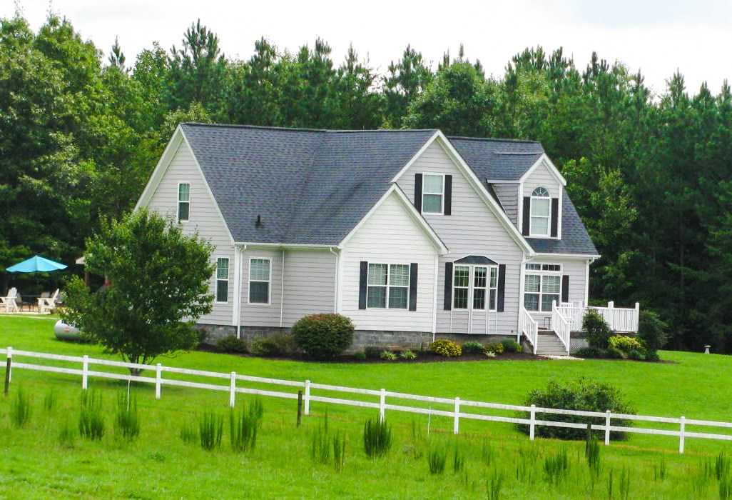 Lovely & Spacious Country Home On 119+/- Acres: Chatham, VA