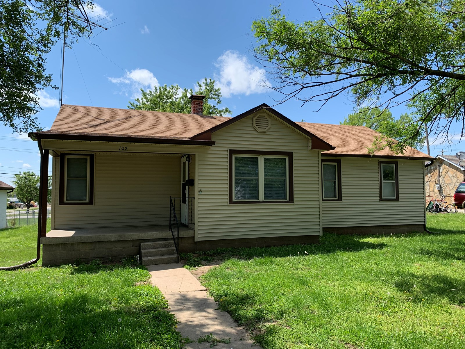 Very Nice, And Well Kept 3 Bedroom Home In SW Mo.