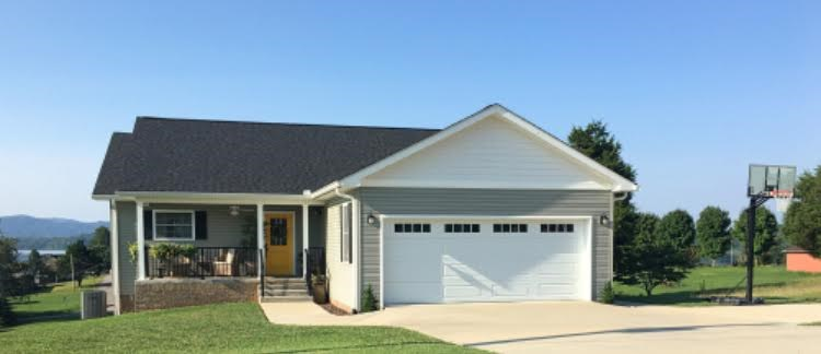 Custom built 3 BR, 2 1/2 BA home in East TN For Sale