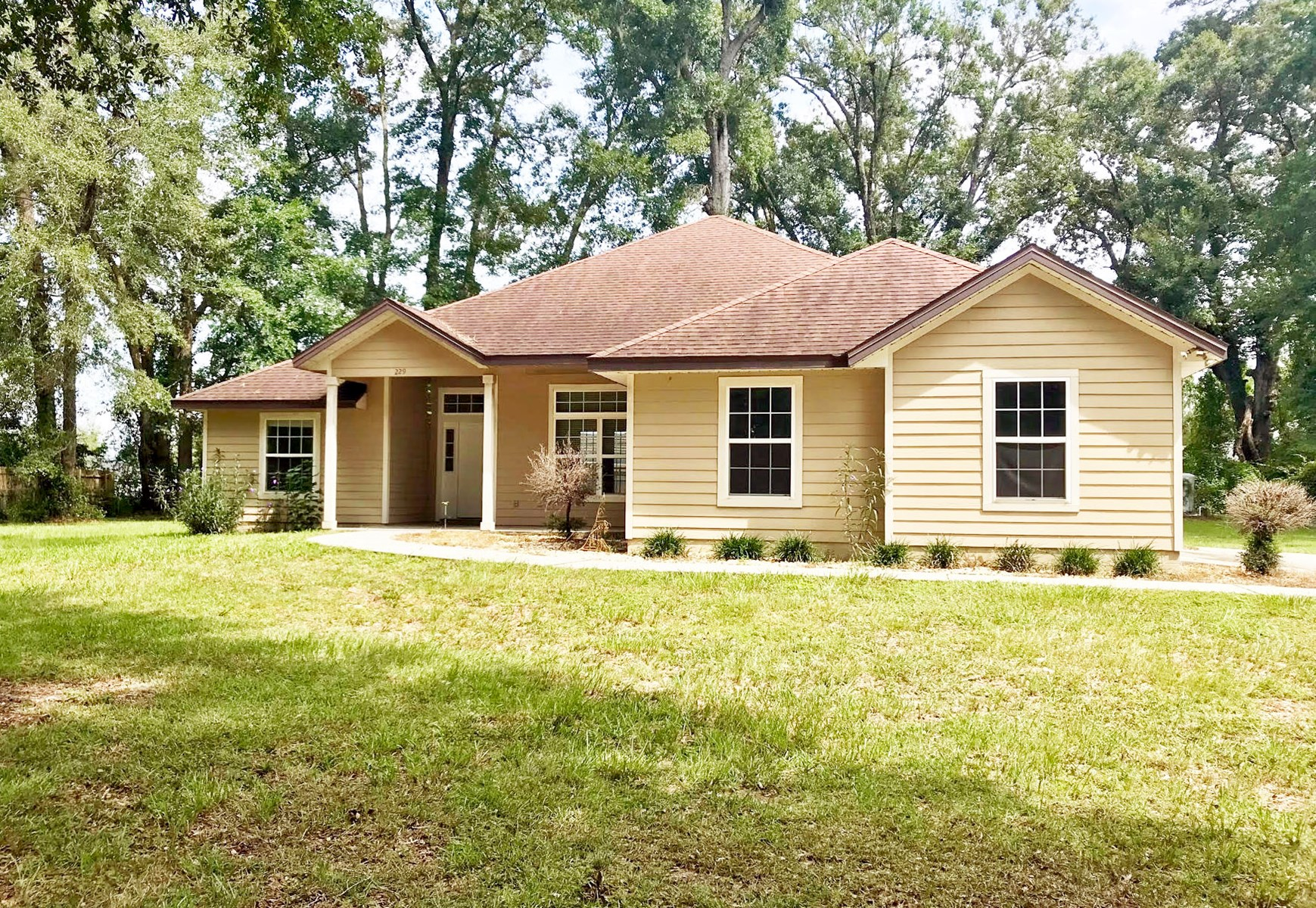 3/2 HOME FOR SALE IN LAKE CITY, FLORIDA