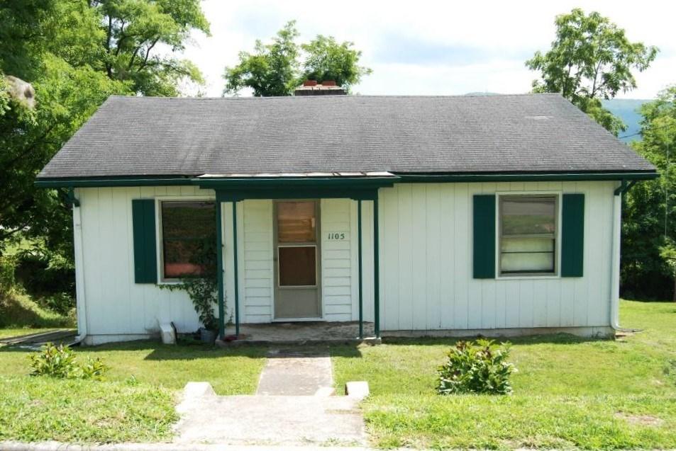 3 Bedroom, 1 Bath Home For Sale In Wytheville, VA.