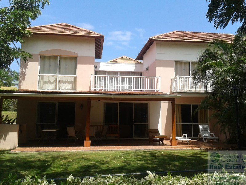 Costa  Blanca  Townhouse  in  Golf  Villas Decameron  Panama