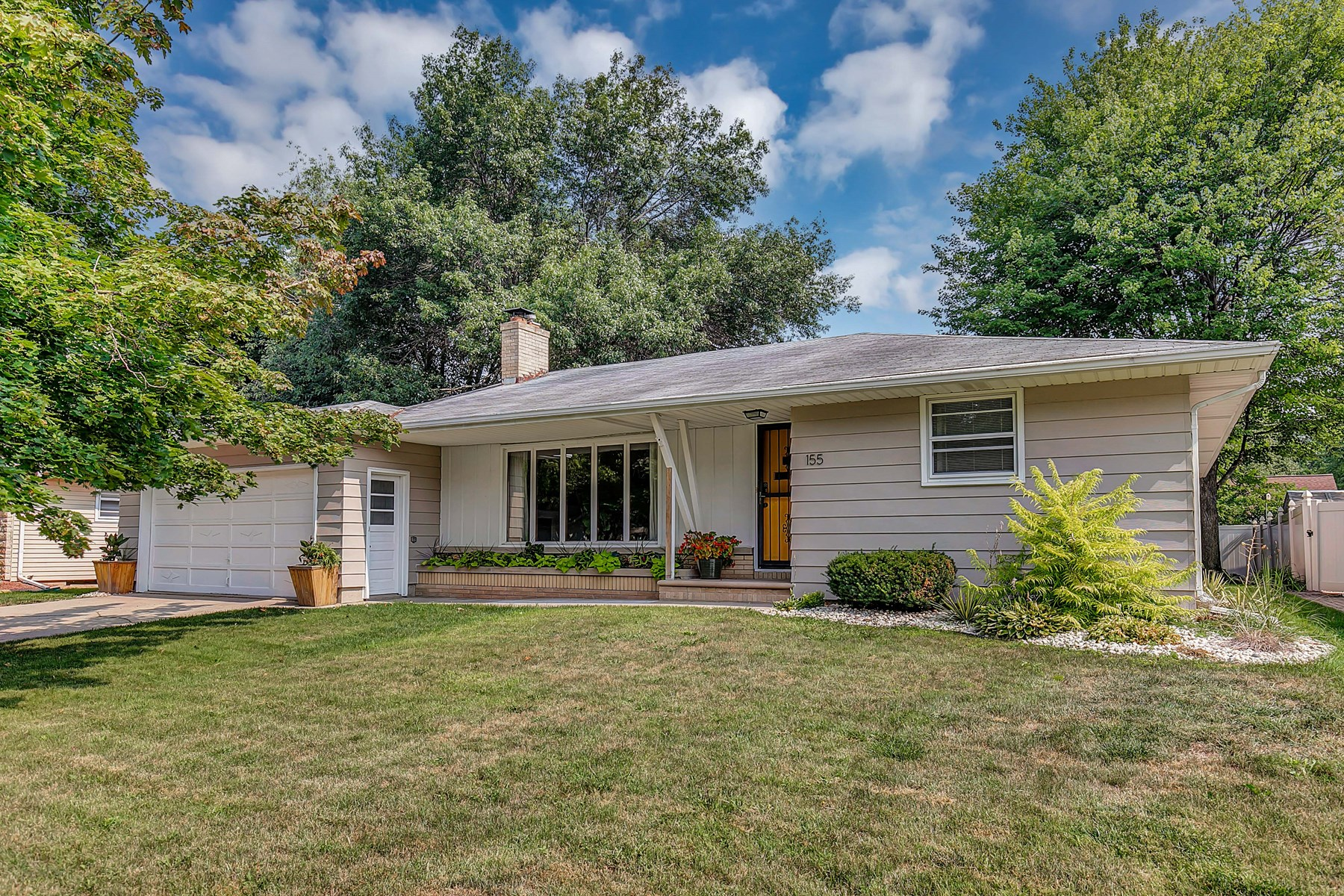 Mid-Century Moden Home for Sale in Green Bay