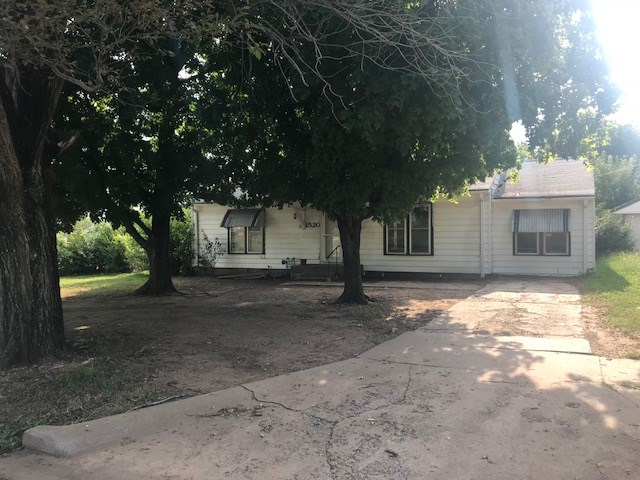 NEWLY REMODELED COZY HOME ON CORNER LOT 4 SALE IN PONCA CITY