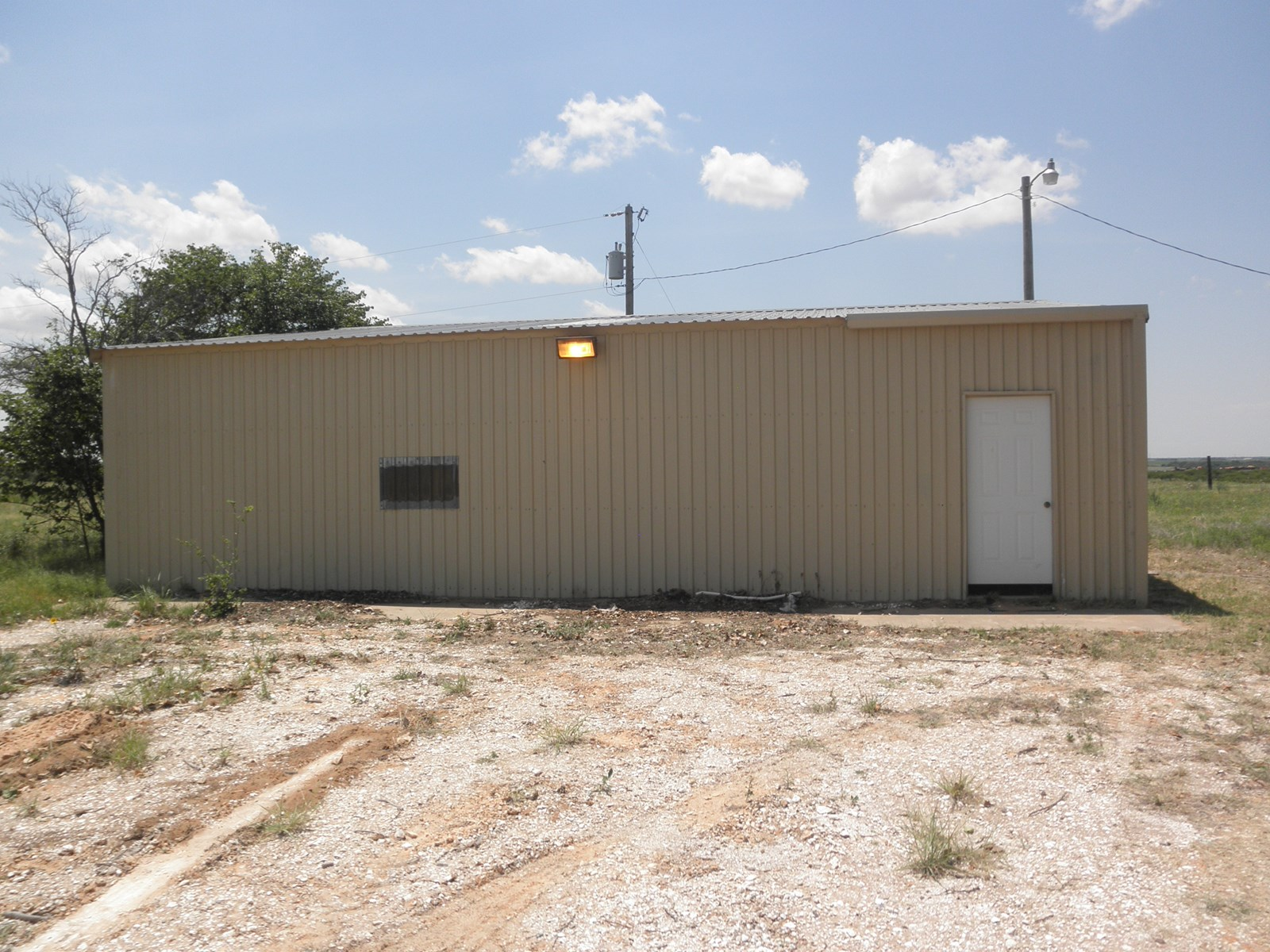 SMALL ACREAGE & SHOP BUILDING FOR SALE