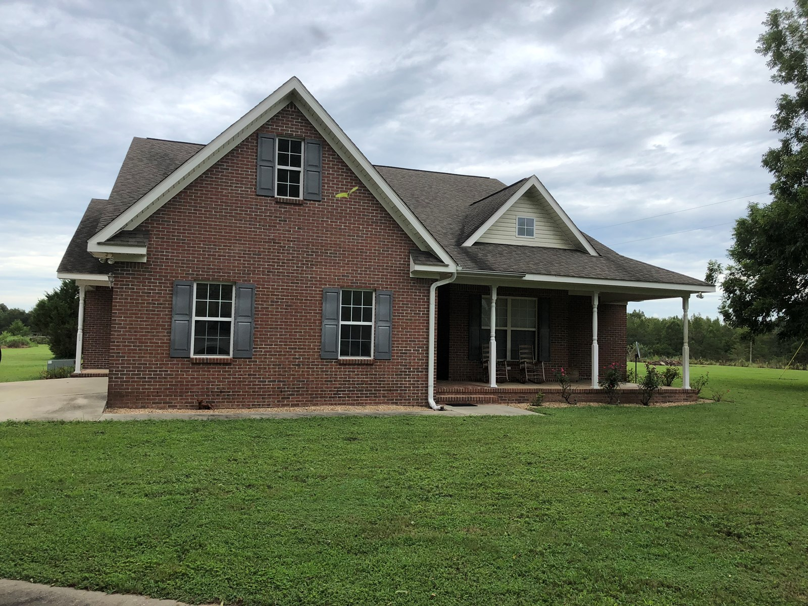 3B/2B BRICK HOME ON 1.7 ACRES FLORALA, ALABAMA