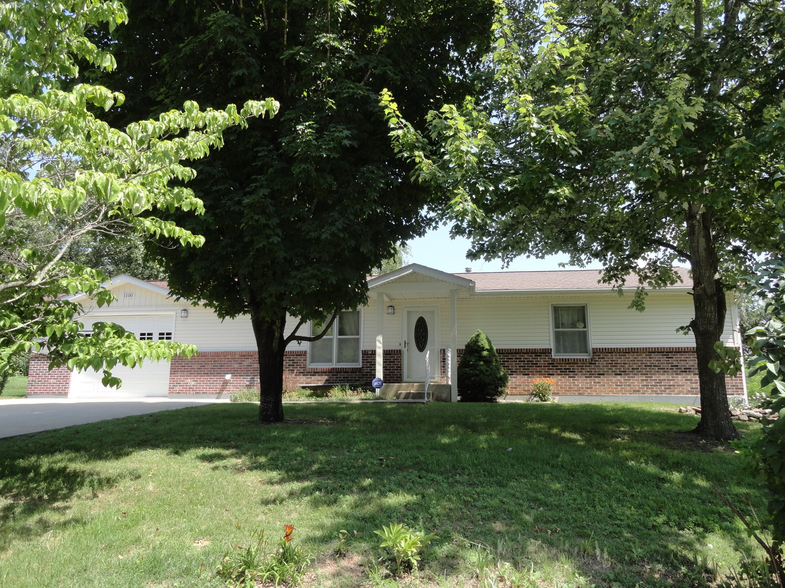 HANDICAP ACCESSIBLE - RANCH STYLE HOME IN SALEM MISSOURI