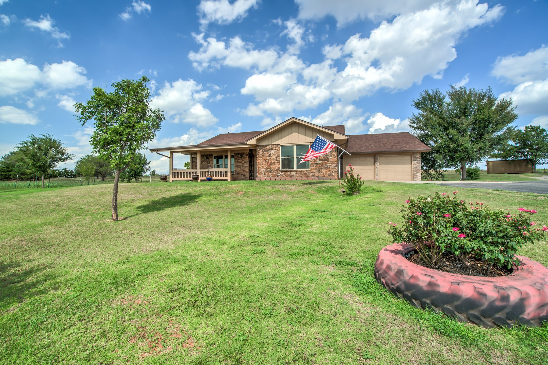 Country Home with Acreage for Sale, Custer County, OK