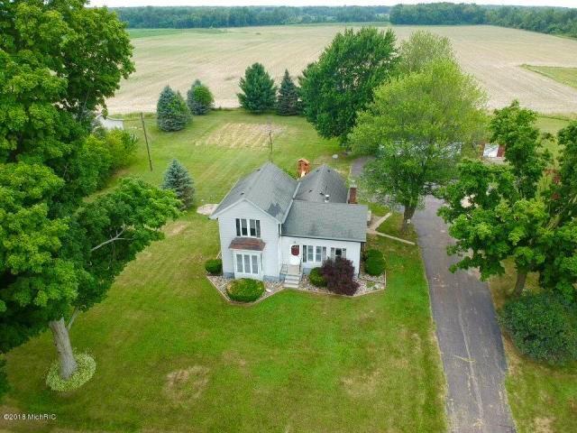 Spacious historic farmhouse on 5 acres