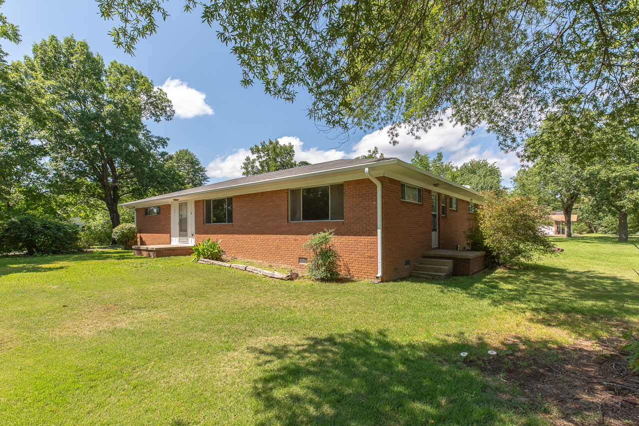 Mid-Century Ranch Style Home on large corner lot